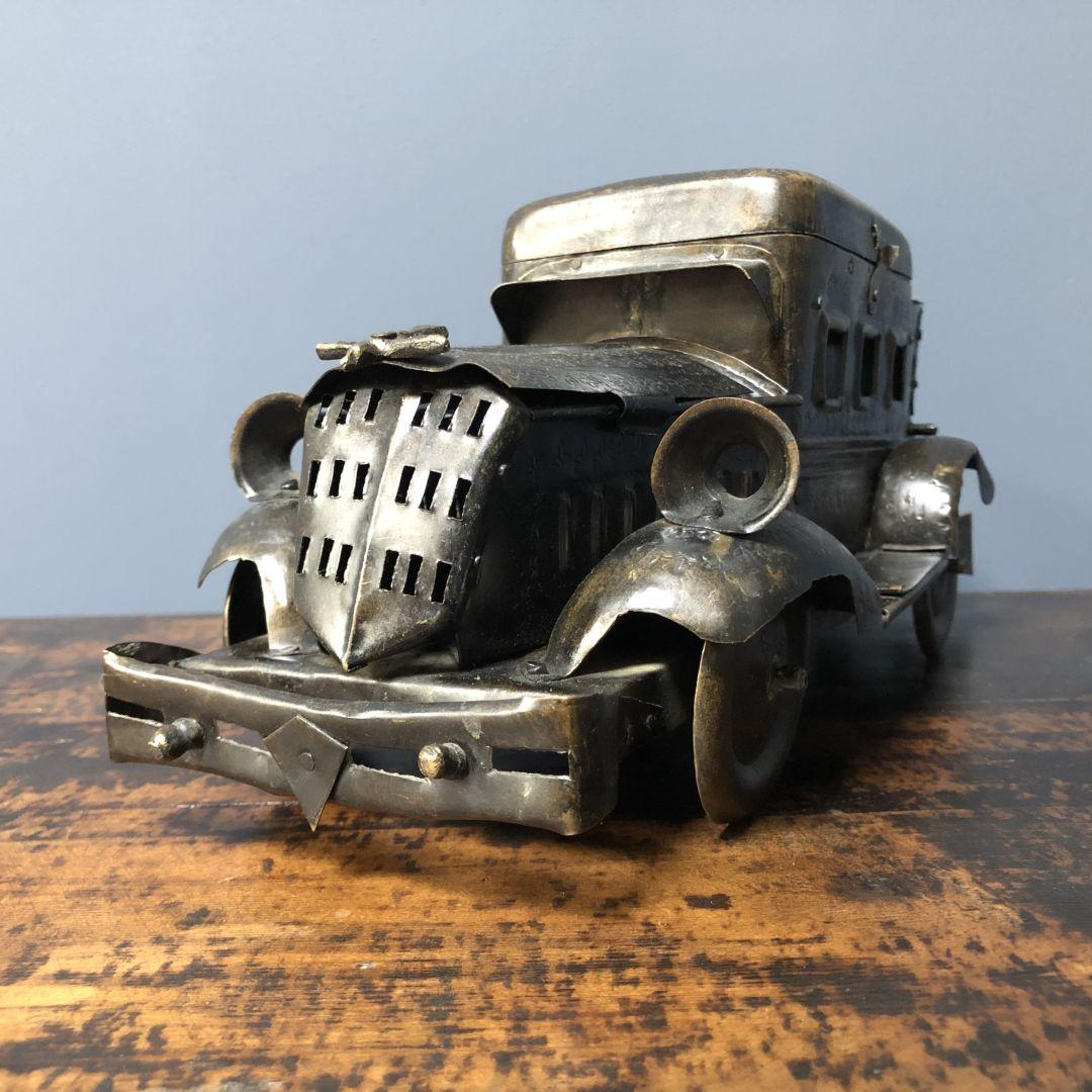 Antieke Rolls Royce tabaksdoos uit het Oosten