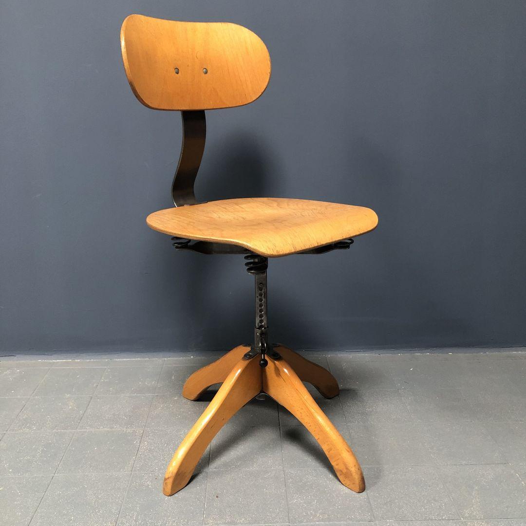 Gepolijste Polstergleich atelier stoel