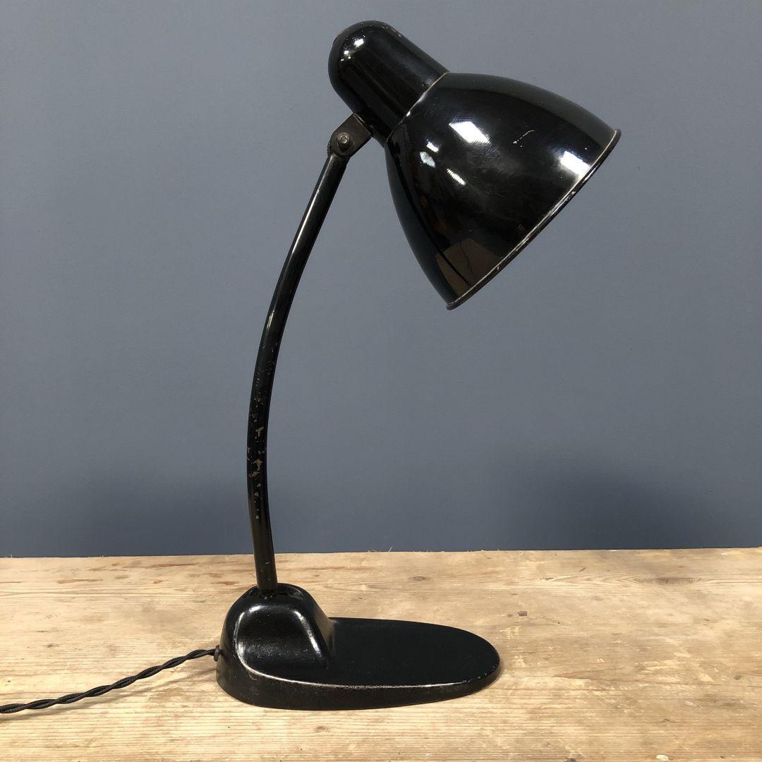 Zwarte Siemens bureaulamp model L299