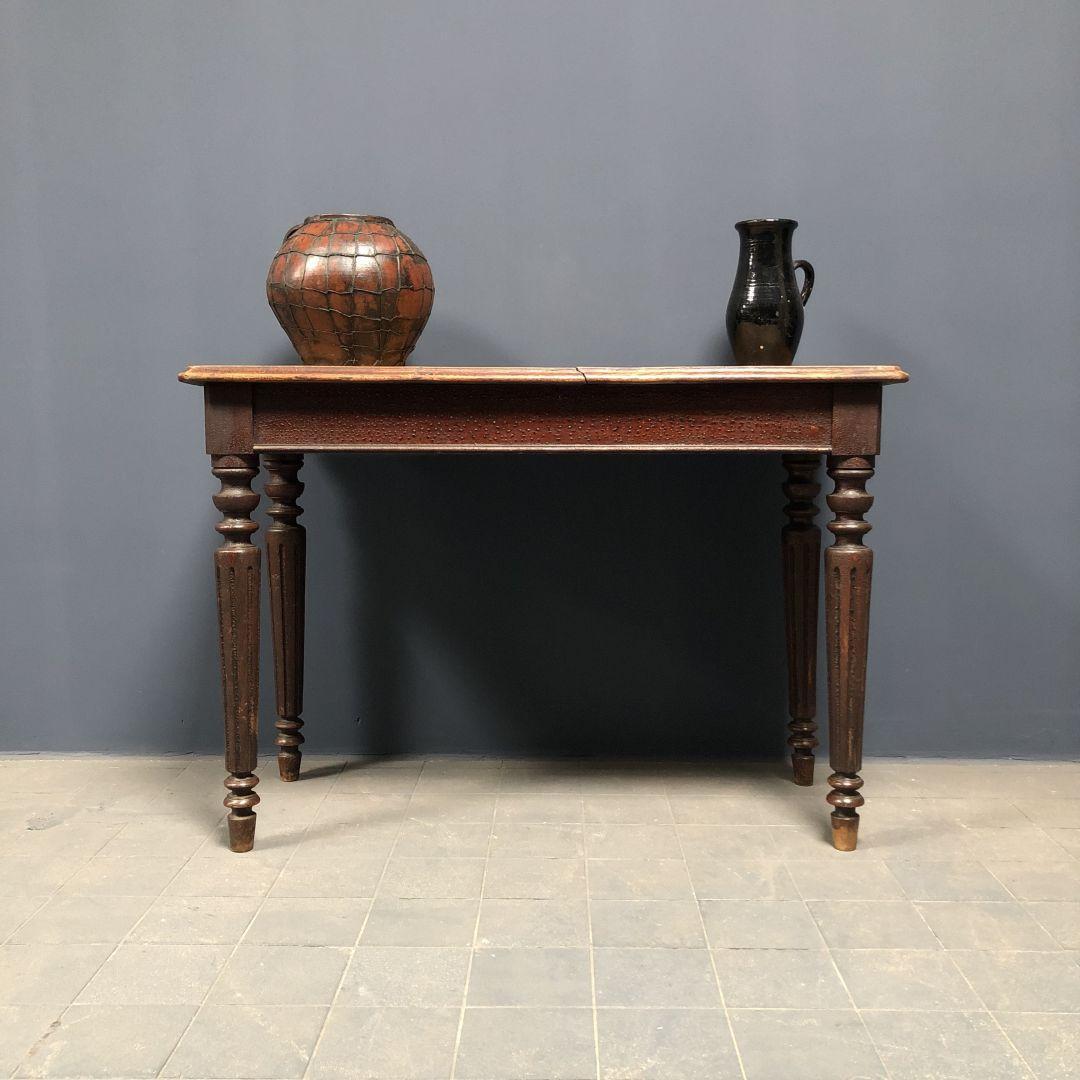 Belgische cafe tafel met gedraaide poten