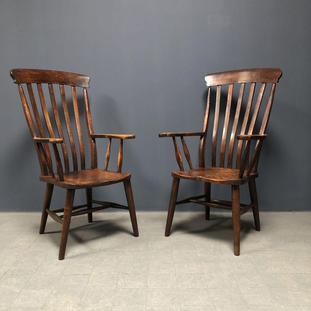 Set van twee Engelse Windsor stoelen