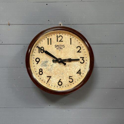 Bakelieten Smiths klok uit Engeland