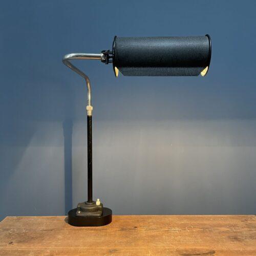 Bijzondere zwarte Bauhaus bureaulamp