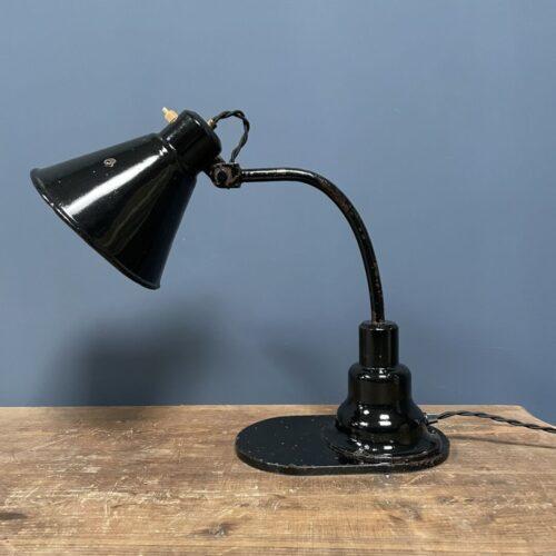 Zwarte bauhaus bureau/pianolamp