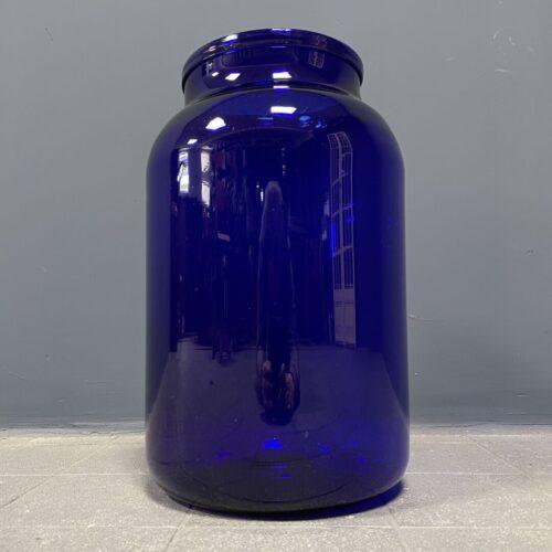 Grote glazen weckpot van blauw glas