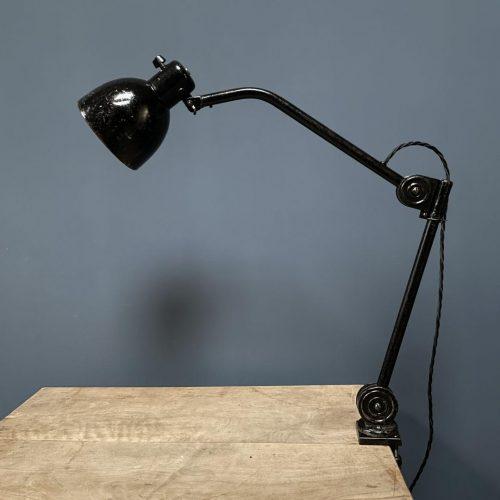 Zwarte Hala klemlamp model 1462