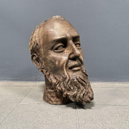 Gesneden houten hoofd van man met baard