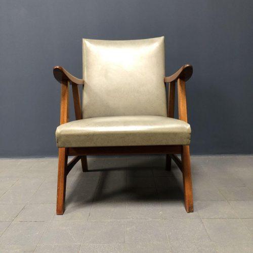 lichtgrijze vintage fauteuil uit de jaren vijftig