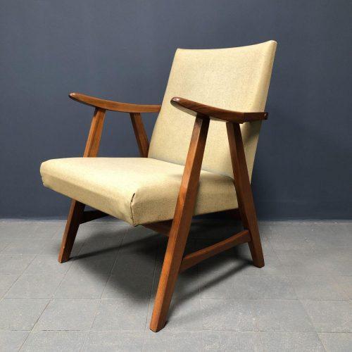 beige vintage fauteuil uit de jaren vijftig