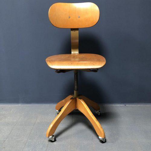 Oude atelier stoel van Polstergleich