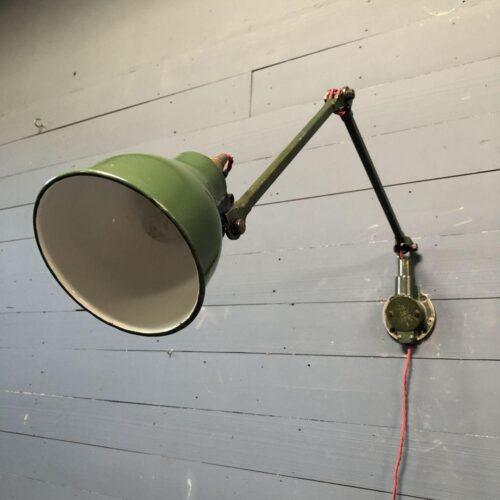 Engelse Mek Elek wandlamp