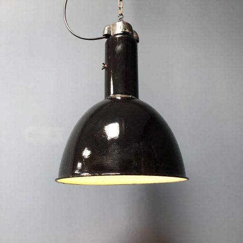 Set van twee zwart emaille bauhaus fabriekslampen