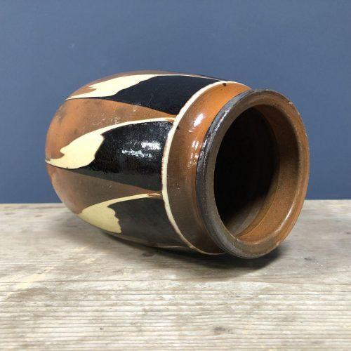 Geglazuurde aardewerk pot
