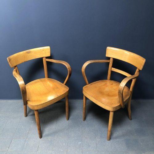 Set beukenhouten stoelen met gebogen armleggers