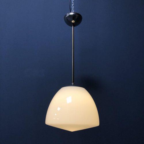 Grote opaline glazen hanglamp
