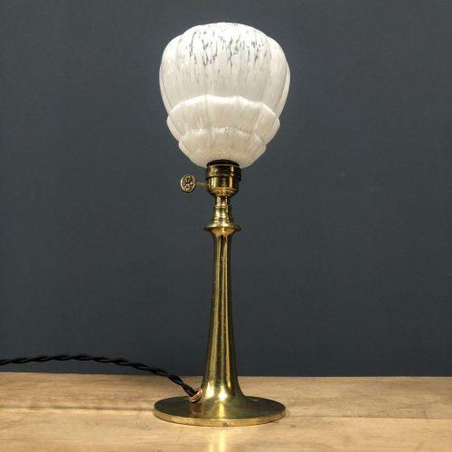 Franse messing tafellamp met glazen kapje