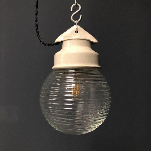 Glazen bollampen met porseleinen kop