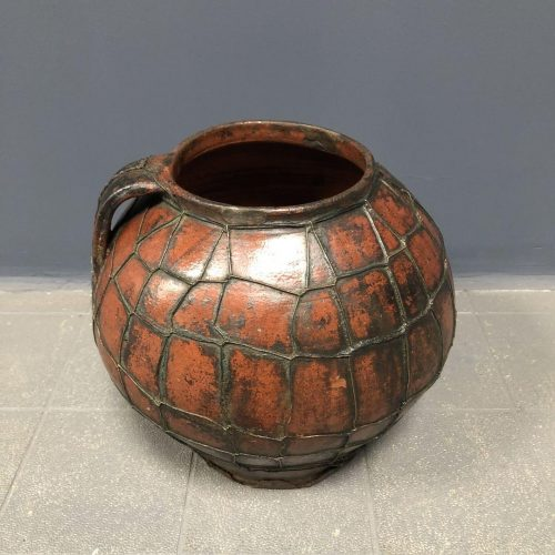 Prachtige aardewerk kruik met koperen draad