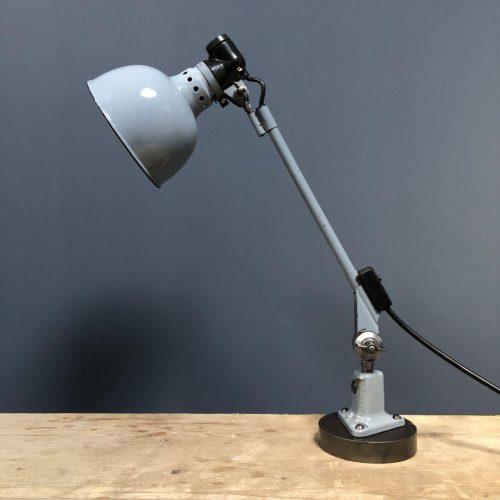Lichtgrijze Rademacher machinelamp