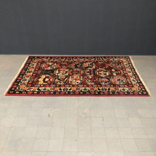 Kleurrijk Perzisch tapijt