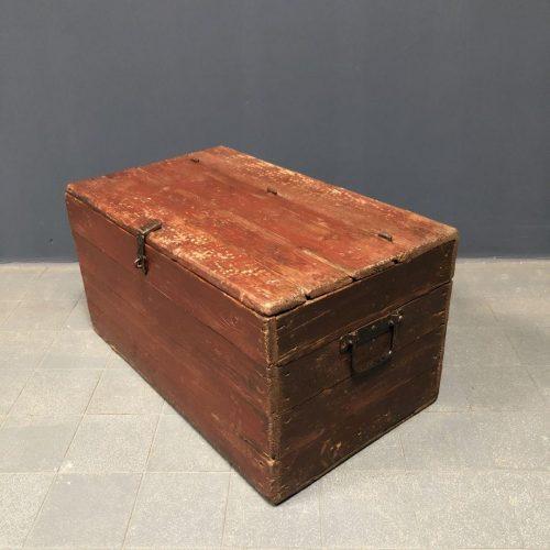 Bordeaux rode houten kist