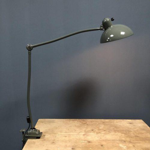 Grijze Kaiser Idell klemlamp model 6726a