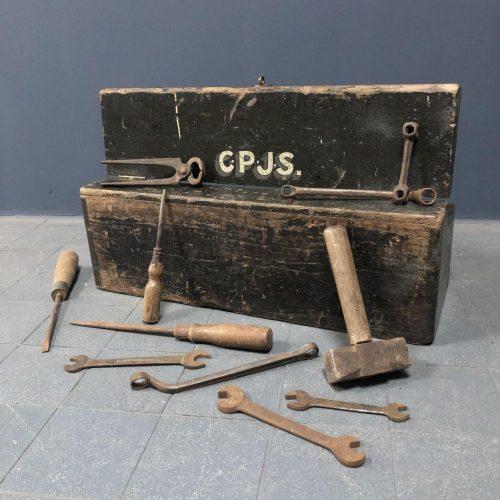 Oude Engelse gereedschapskist