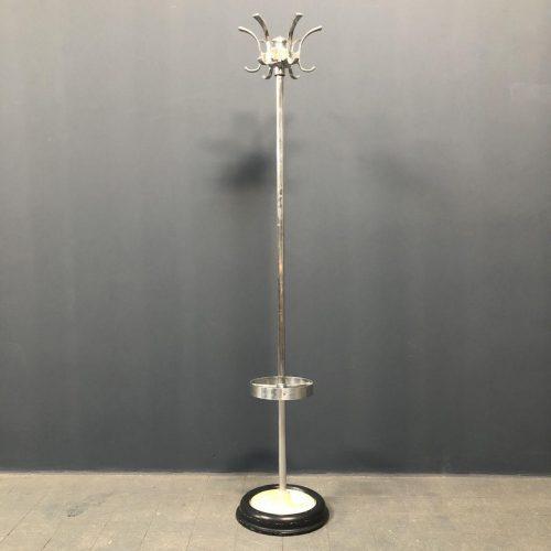 Vintage aluminium kapstok met gietijzeren voet
