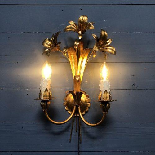 Gouden wandlamp van Hans Kögl