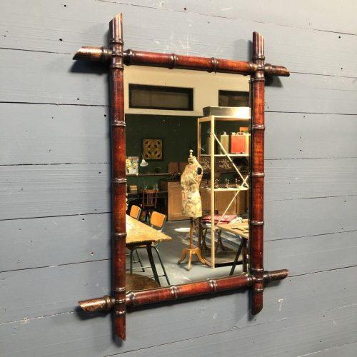 Grote faux bamboo spiegel met donkere lijst