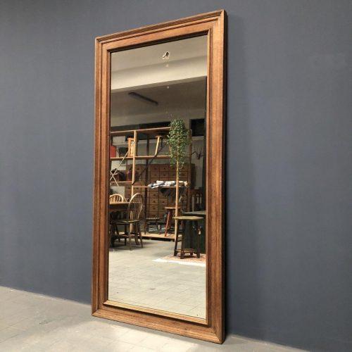 Grote spiegel met eiken frame