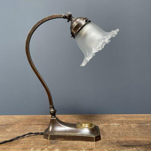 Messing art deco bureaulamp met glazen kapje