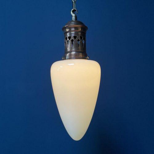 Opalinr glazen hanglamp met koperen armatuur