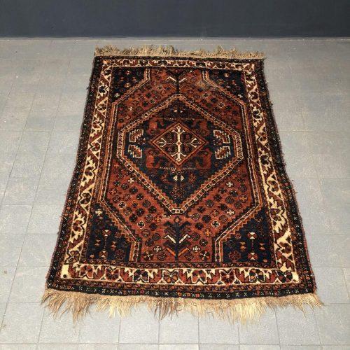 Oud klein handgeknoopt perzisch kleed