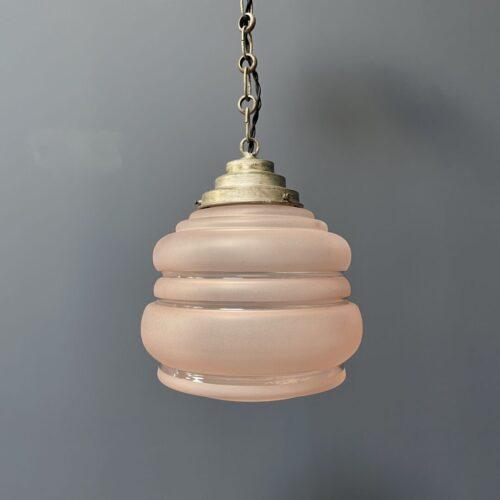 Art deco hanglamp van gematteerd roze glas
