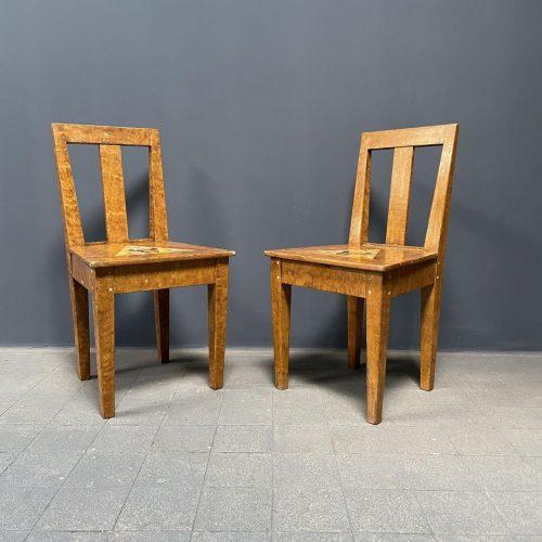 Set van twee beschilderde Zweedse stoelen
