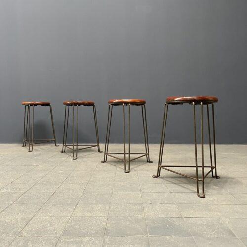 Set van vier Tomado werkplaats krukken