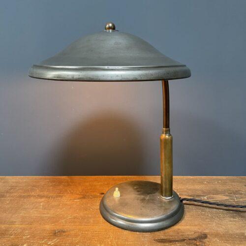 Prachtige bureaulamp van zink en messing