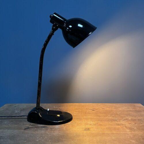 Zwarte bauhaus bureaulamp van HLX