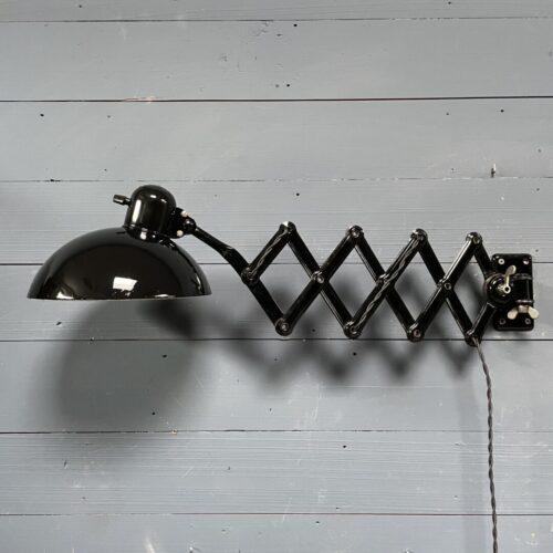 Zwarte Kaiser Idell schaarlamp model 6718 Super