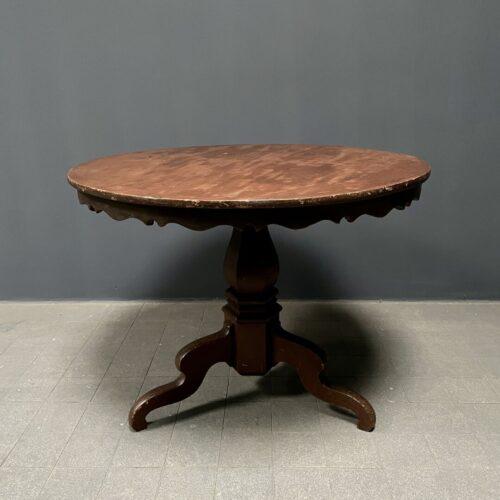 Sierlijke Zweedse ronde tafel
