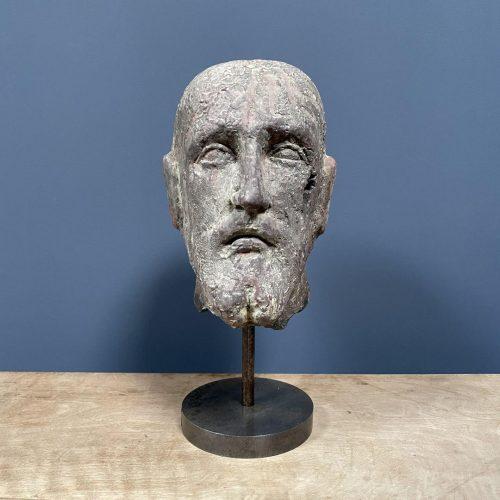 Mannelijk hoofd van terracotta